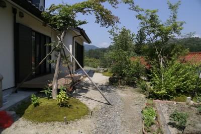 岩根の杜「心落ち着く庭空間」施工後