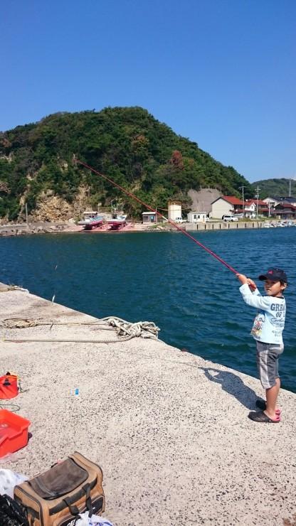 今日はのんびり休日「家族と魚釣り」